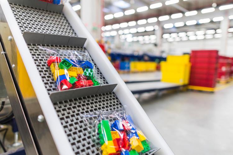 Lego neden petrol bazlı plastikten kurtulmak için milyonlar harcıyor?
