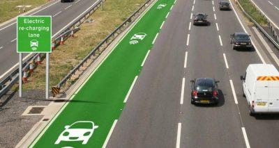 İngiltere'deki yollar yakında elektrikli arabalara enerji sağlayacak