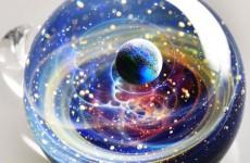 Camın İçindeki Evren