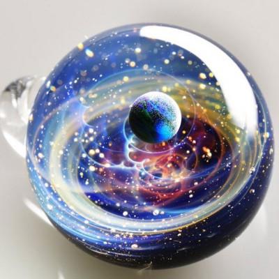 Uzayı camın içine yerleştiren sanat