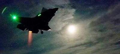 F-35 ilk dikey gece inişini gerçekleştirdi