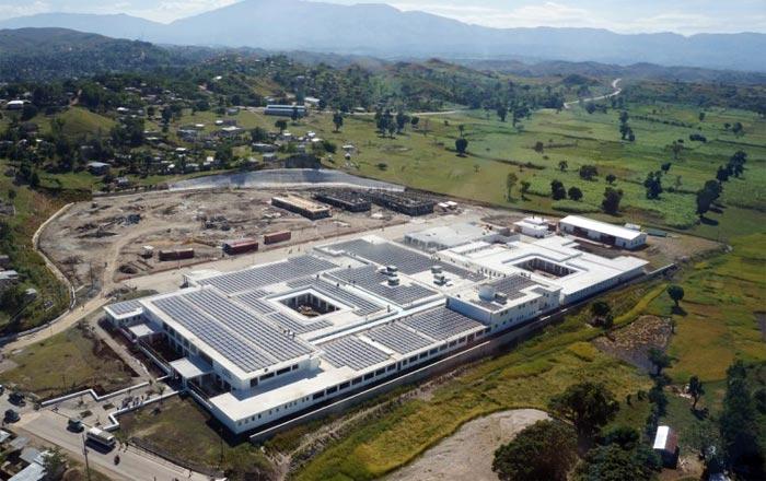 Dünya'nın en büyük güneş enerjili hastanesi Haiti'de açıldı!