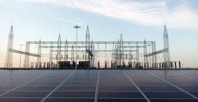 Hindistan dünyanın en büyük güneş enerjisi tesisini kurdu