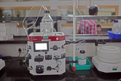 Yapay zekâ ve kimya robotu işe yarayacak tepkimelerin hepsini buluyor