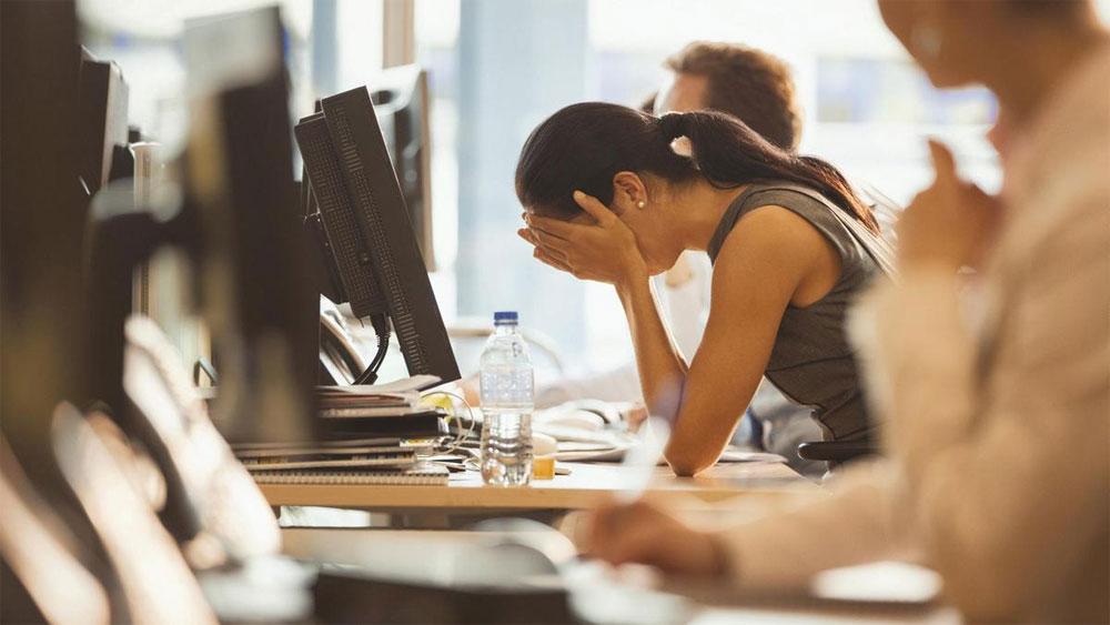 İşyerinde kesintiye uğramak farkında olmadığımız tuhaf yollarla stres düzeylerini etkiliyor