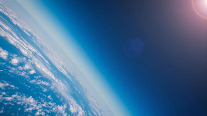 Gizemli bir kaynak ozonu parçalayan yasaklı kimyasalları üretiyor
