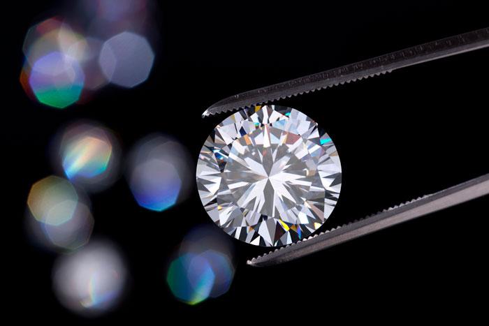 Dünyanın en büyük elmas işletmecisi sentetik elmas satmaya başladı