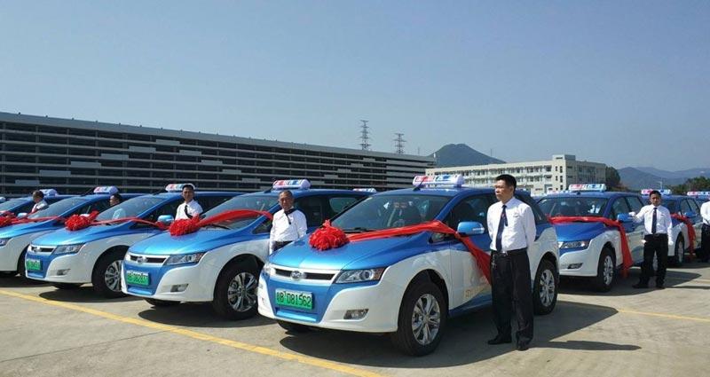 Çin'in Shenzhen şehrinde otobüslerden sonra taksiler de elektrikli oldu