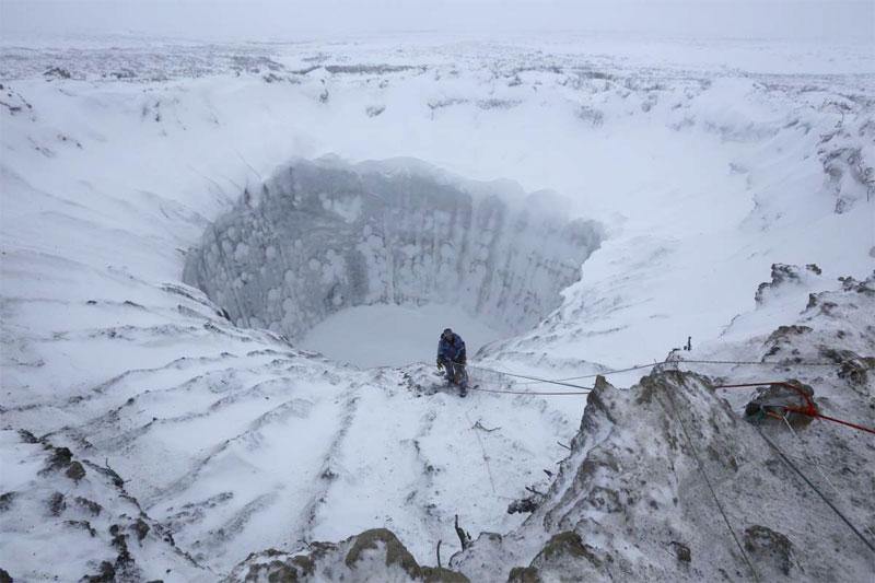 Sibirya'da yeni bir gizemli krater bulundu