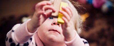 Bebekler konuşmadan önce mantıklı düşünebiliyor