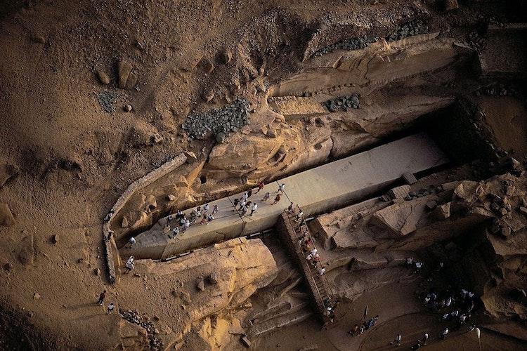 Mısır'da 3500 yıllık tamamlanmamış dikilitaş bulundu