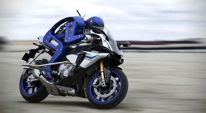 Şimdi de insansız motosiklet: Yamaha Motobot